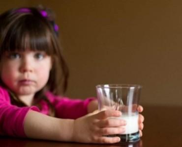 Κανένα παιδί χωρίς γάλα